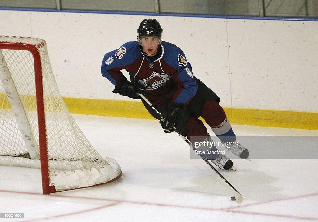 Upper Deck NHL Rookie Debut : News Photo