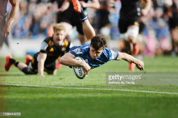 Matt Duffie of the Blues scores a try during the round 7 Super Rugby Aotearoa match between the Blues and the Chiefs at Eden Park on July 26, 2020 in...