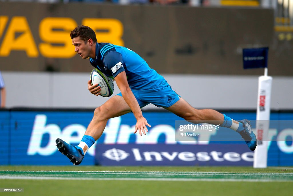Matt Duffie of the Blues scores a try during the round six Super Rugby match between the Blues and the Force at Eden Park on April 1, 2017 in Auckland, New Zealand.