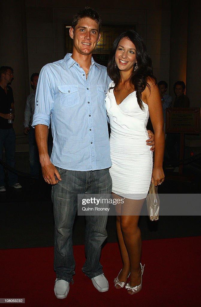 Matt and kim dating in Melbourne