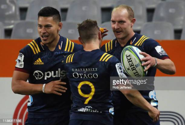 Matt Faddes of the Highlanders celebrates his try during the round 10 Super Rugby match between the Highlanders and the Blues at Forsyth Barr Stadium...