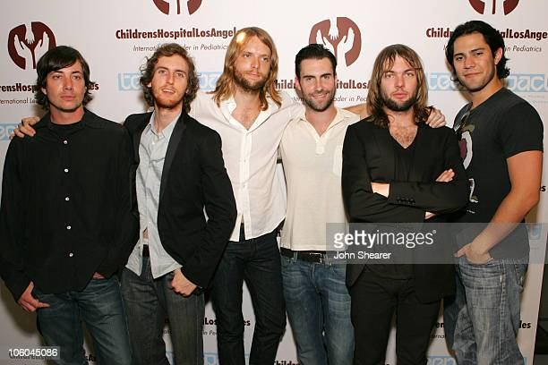 Matt Flynn Jesse Carmichael James Valentine Adam Levine Mickey Madden and Ryan Dusick of Maroon 5