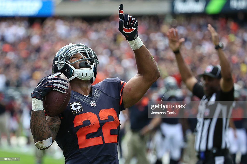 Matt Forte #22 of the Chicago Bears celebrates after scoring a touchdown in the second quarter against the Green Bay Packers at Soldier Field on September 13, 2015 in Chicago, Illinois.
