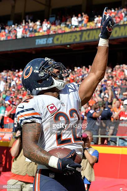 Matt Forte of the Chicago Bears celebrates after scoring the go ahead touchdown with eighteen seconds left at Arrowhead Stadium during the game on...