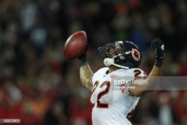 Matt Forte of the Chicago Bears celebrates scoring a touchdown during the NFL International Series match between Chicago Bears and Tampa Bay...