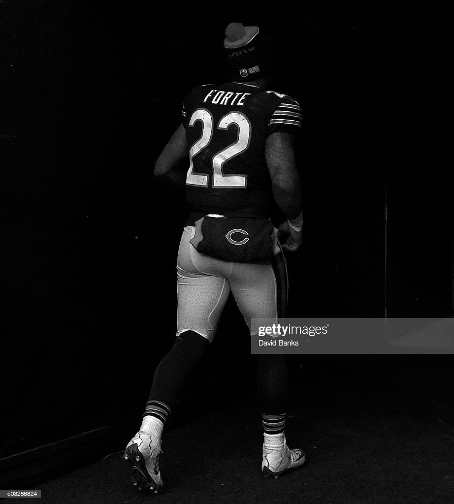 Matt Forte #22 of the Chicago Bears leaves the field after the game on January 3, 2016 at Soldier Field in Chicago, Illinois. The Lions won 24-20.