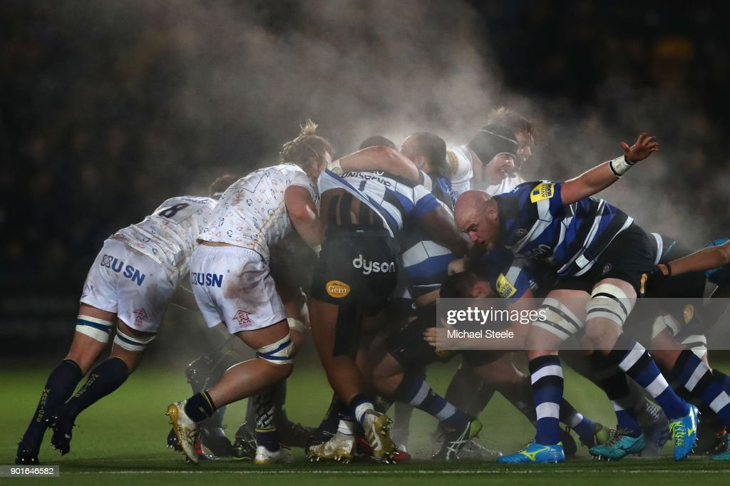 Matt Garvey (R) of Bath and David Denton (L) of Worcester contest a scrum during the Aviva Premiership match between Worcester Warriors and Bath Rugby at Sixways Stadium on January 5, 2018 in Worcester, England.