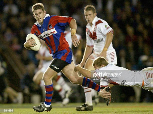 Matt Gidley of the Knights in action during the NRL third Qualifying final between the Newcastle Knights and the St George Illawarra Dragons played...
