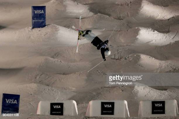 Matt Graham of Australia competes in the Men's Moguls Finals during the 2018 FIS Freestyle Ski World Cup at Deer Valley Resort on January 11 2018 in...