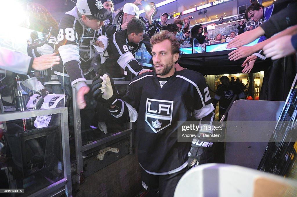 San Jose Sharks v Los Angeles Kings - Game Three