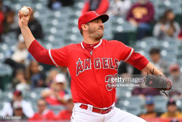 Matt Harvey of the Los Angeles Angels of Anaheim pitches in the second inning of the game against the Minnesota Twins at Angel Stadium of Anaheim on...