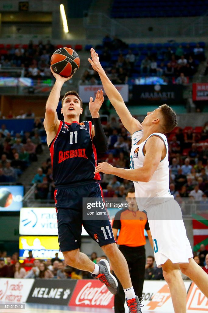 Matt Janning, #11 of Baskonia Vitoria Gasteiz in action during the 2017/2018 Turkish Airlines EuroLeague Regular Season Round 7 game between Baskonia Vitoria Gasteiz and Real Madrid at Fernando Buesa Arena on November 14, 2017 in Vitoria-Gasteiz, Spain.