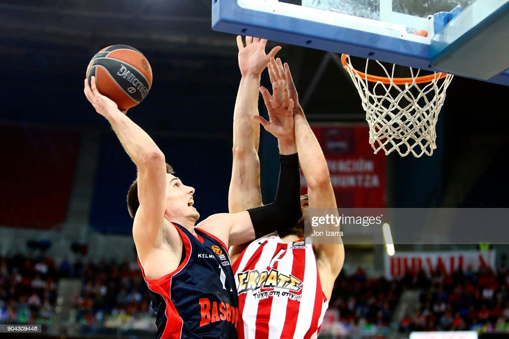 Matt Janning, #11 of Baskonia Vitoria Gasteiz in action during the 2017/2018 Turkish Airlines EuroLeague Regular Season Round 17 game between Baskonia Vitoria Gasteiz and Olympiacos Piraeus at Fernando Buesa Arena on January 12, 2018 in Vitoria-Gasteiz, Spain.