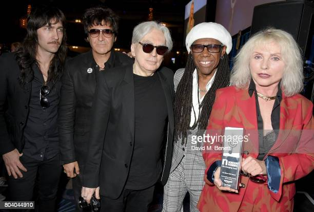 Matt KatzBohen Clem Burke Chris Stein Nile Rodgers and Debbie Harry with Blondie's Amazon Outstanding Achievement Award at the Nordoff Robbins O2...
