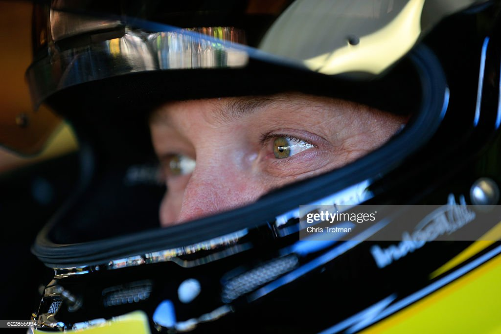 NASCAR Sprint Cup Series Can-Am 500 - Practice : News Photo