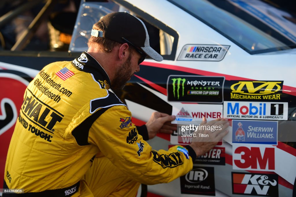 Monster Energy NASCAR Cup Series Federated Auto Parts 400 - Qualifying : News Photo