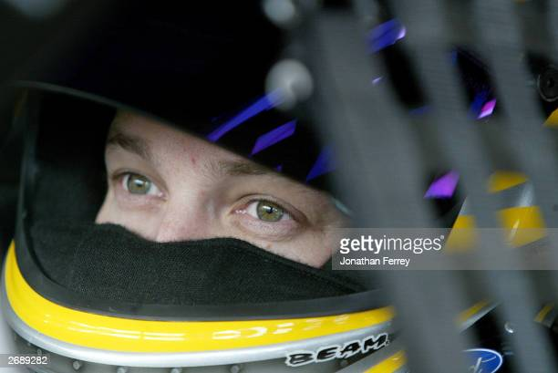 Matt Kenseth leading the championship in points keeps his eye on the prize to claim his first championship during the NASCAR Winston Cup Checker Auto...