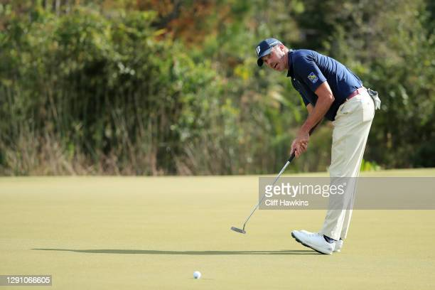 Matt Kuchar of the United States reacts to a missed put on the eighth green during the final round of the QBE Shootout at Tiburon Golf Club on...