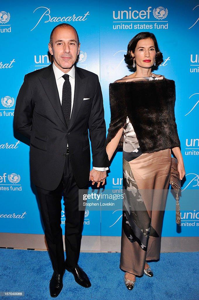 Unicef SnowFlake Ball : News Photo