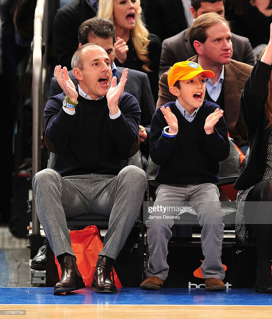 Celebrities Attend The Milwaukee Bucks Vs New York Knicks Game - March 25, 2011 : News Photo