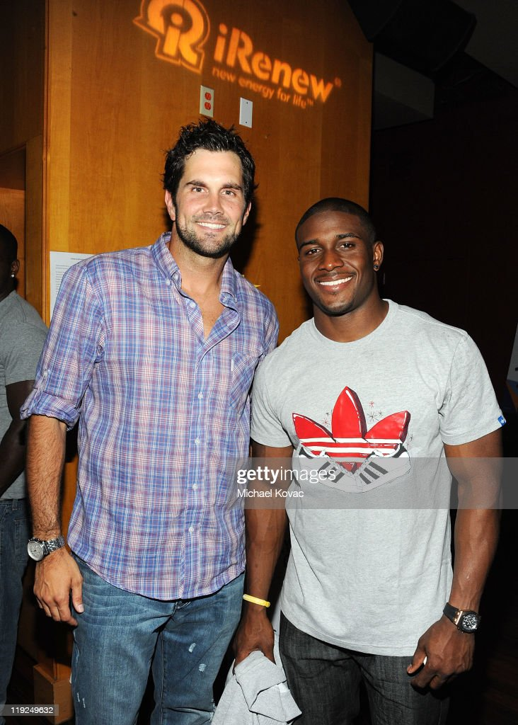 Matt Leinart (L) and Reggie Bush attend the iRenew Matt Leinart 5th Annual Charity Bowling Tournament at Lucky Strike Bowling Alley on July 14, 2011 in Hollywood, California.