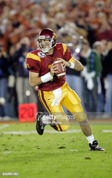 Matt Leinert of the University of Southern California plays against the University of Texas during the BCS National Championship Game at the Rose...