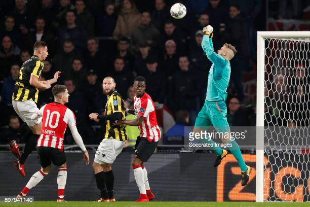 Matt Miazga of Vitesse Marco van Ginkel of PSV Tim Matavz of Vitesse Nicolas Isimat of PSV Jeroen Zoet of PSV during the Dutch Eredivisie match...