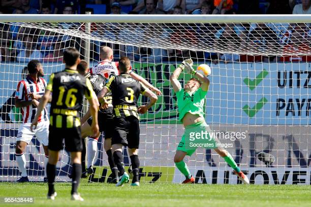 Matt Miazga of Vitesse scores scores the second goal to make it 11 Timon Wellenreuther of Willem II during the Dutch Eredivisie match between Willem...