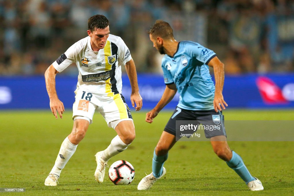 A-League Rd 11 - Sydney v Central Coast : News Photo