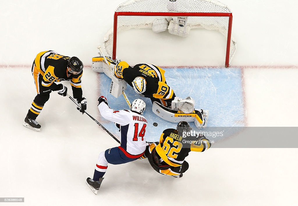 Matt Murray #30 of the Pittsburgh Penguins makes a save on a shot by Justin Williams #14 of the Washington Capitals in Game Four of the Eastern Conference Second Round during the 2016 NHL Stanley Cup Playoffs at Consol Energy Center on May 2, 2016 in Pittsburgh, Pennsylvania.
