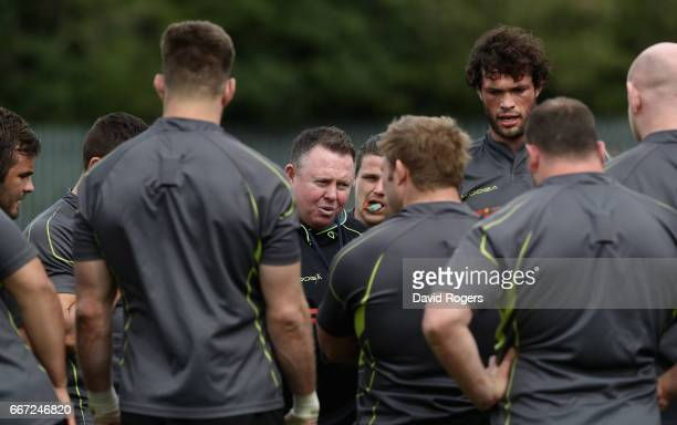 Matt O'Connor the Leicester Tigers head coach talks to his team during the Leicester Tigers training session held at their training centre on April...