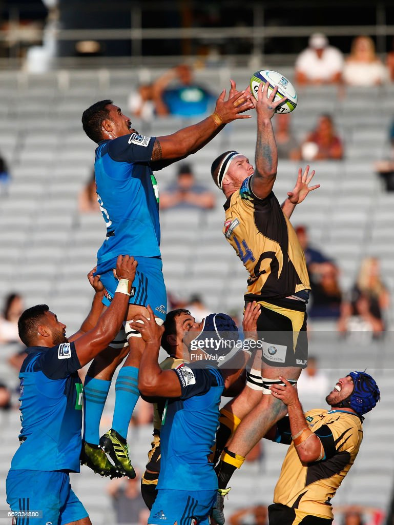 Matt Philip of the Western Force and Jerome Kaino of the Blues contest the ball in the lineout during the round six Super Rugby match between the Blues and the Force at Eden Park on April 1, 2017 in Auckland, New Zealand.
