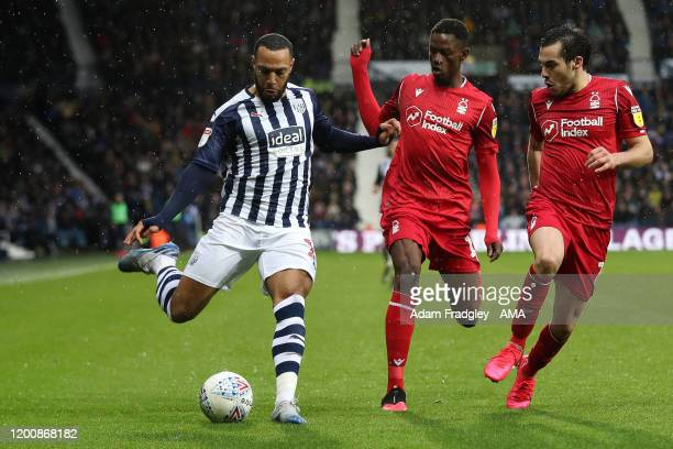 Matt Phillips of West Bromwich Albion battles with Alfa Semedo and Yuri Ribeiro of Nottingham Forest during the Sky Bet Championship match between...