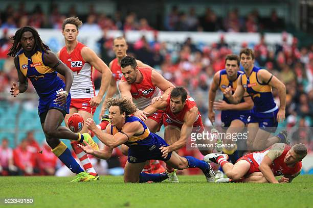 Matt Priddis of the Eagles handpasses during the round five AFL match between the Sydney Swans and the West Coast Eagles at Sydney Cricket Ground on...