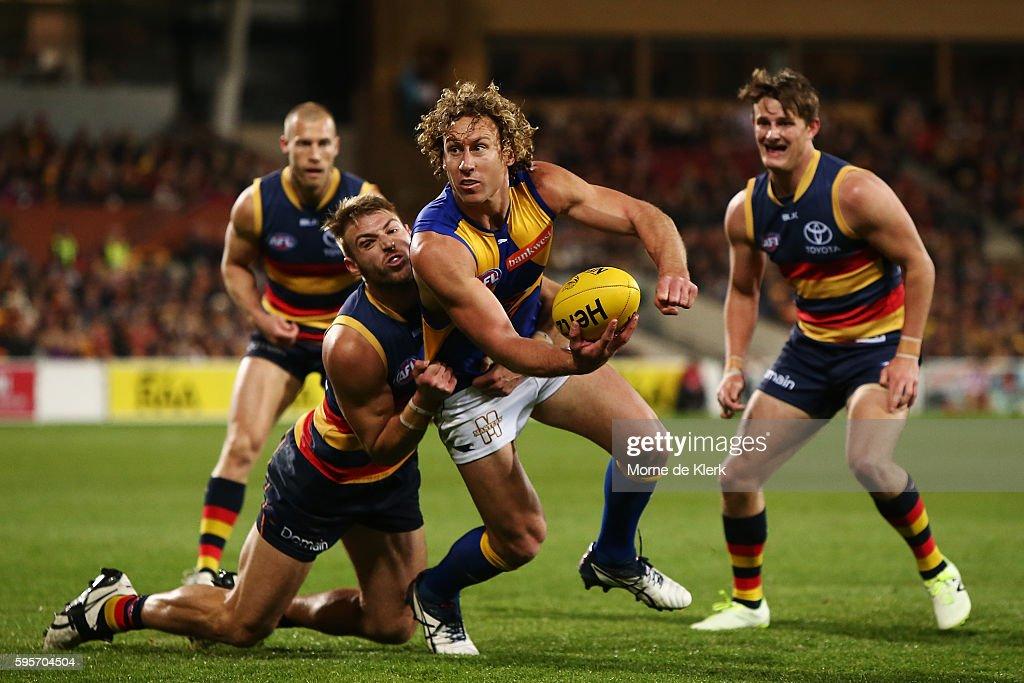 AFL Rd 23 - Adelaide v West Coast : News Photo