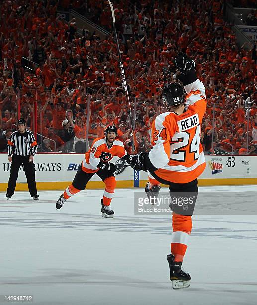 Matt Read of the Philadelphia Flyers celebrates his powerplay goal at 1418 of the second period against the Pittsburgh Penguins along with Braydon...