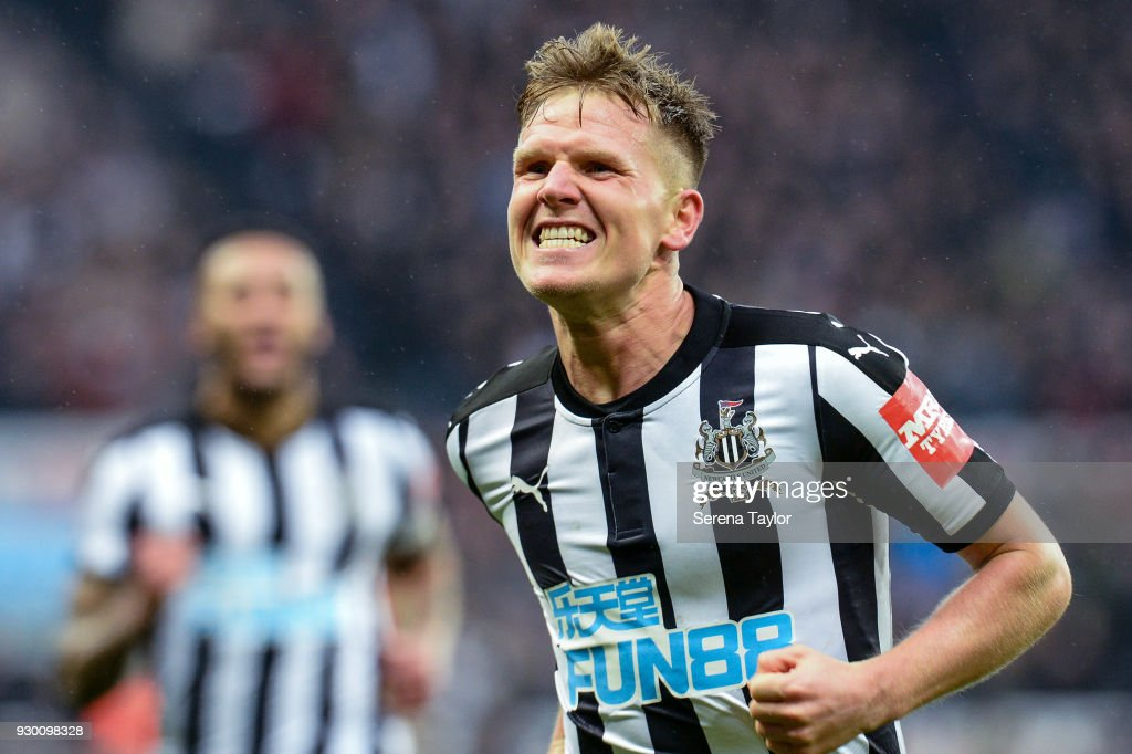 Newcastle United v Southampton- Premier League : News Photo