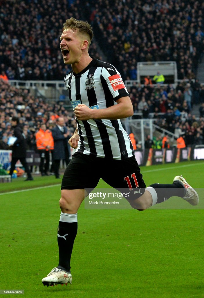 Matt Ritchie of Newcastle United celebrates scoring his side's third goal during the Premier League match between Newcastle United and Southampton at St. James Park on March 10, 2018 in Newcastle upon Tyne, England.