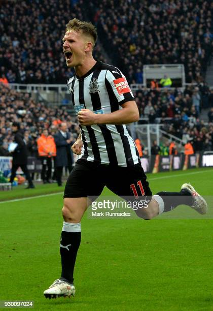 Matt Ritchie of Newcastle United celebrates scoring his side's third goal during the Premier League match between Newcastle United and Southampton at...