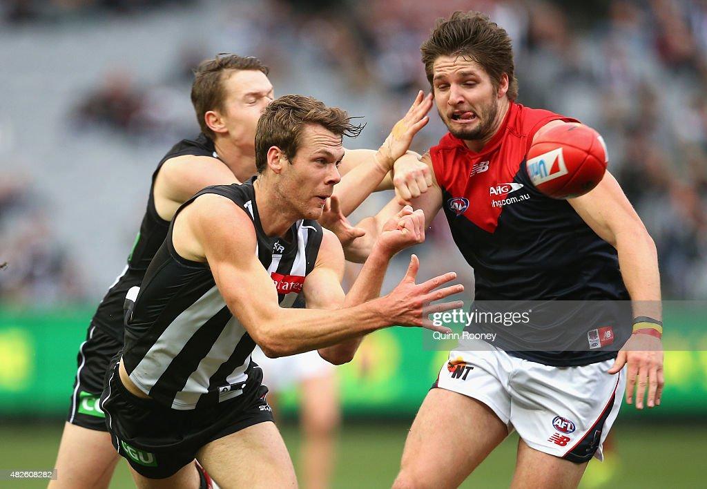 AFL Rd 18 -  Collingwood v Melbourne : News Photo