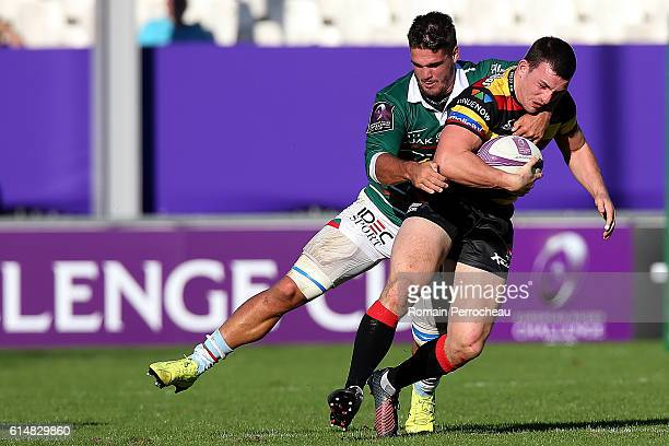 Matt Scott of Gloucester in action during the European Rugby Challenge Cup between Bayonne and Gloucester Rugby at Jean Dauger stadium on October 15...