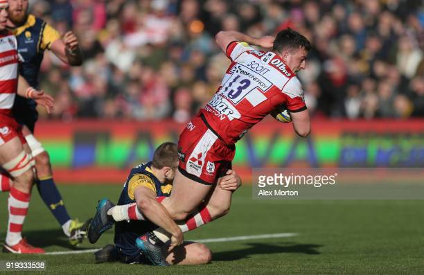 Matt Scott of Gloucester scores their first try during the Aviva Premiership match between Worcester Warriors and Gloucester Rugby at Sixways Stadium...