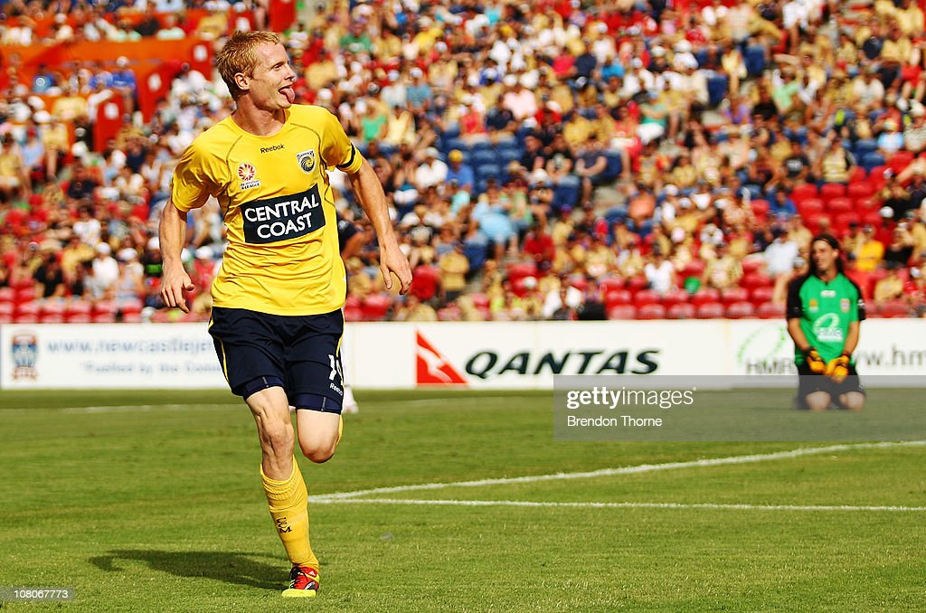A-League Rd 23 - Jets v Mariners : ニュース写真