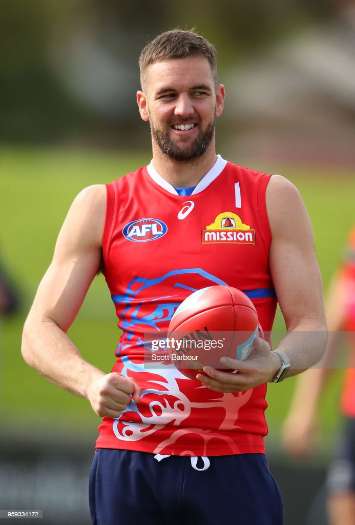 Matt Suckling of the Bulldogs runs with the ball during a Western Bulldogs AFL training session at Whitten Oval on May 17, 2018 in Melbourne, Australia.