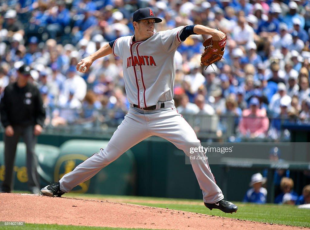 Matt Wisler #37 of the Atlanta Braves throws in the first inning against the Kansas City Royals at Kauffman Stadium on May 15, 2016 in Kansas City, Missouri.