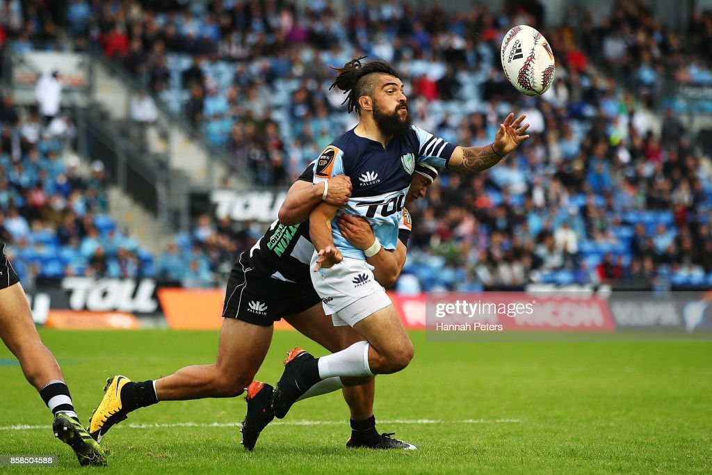 Matt Wright of Northland passes the ball out during the round eight Mitre 10 Cup match between Northland and Hawke's Bay at Toll Stadium at Toll Stadium on October 7, 2017 in Whangarei, New Zealand.