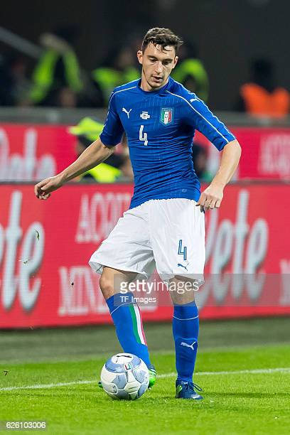 Matteo Darmian of Italy in action during the International Friendly match between Italy and Germany at GiuseppeMeazzaStadion on November 15 2016 in...