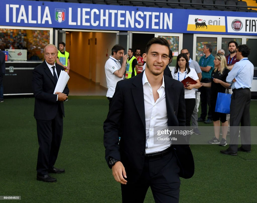 Matteo Darmian of Italy looks on during Italy walk around at Stadio Friuli on June 10, 2017 in Udine, Italy.
