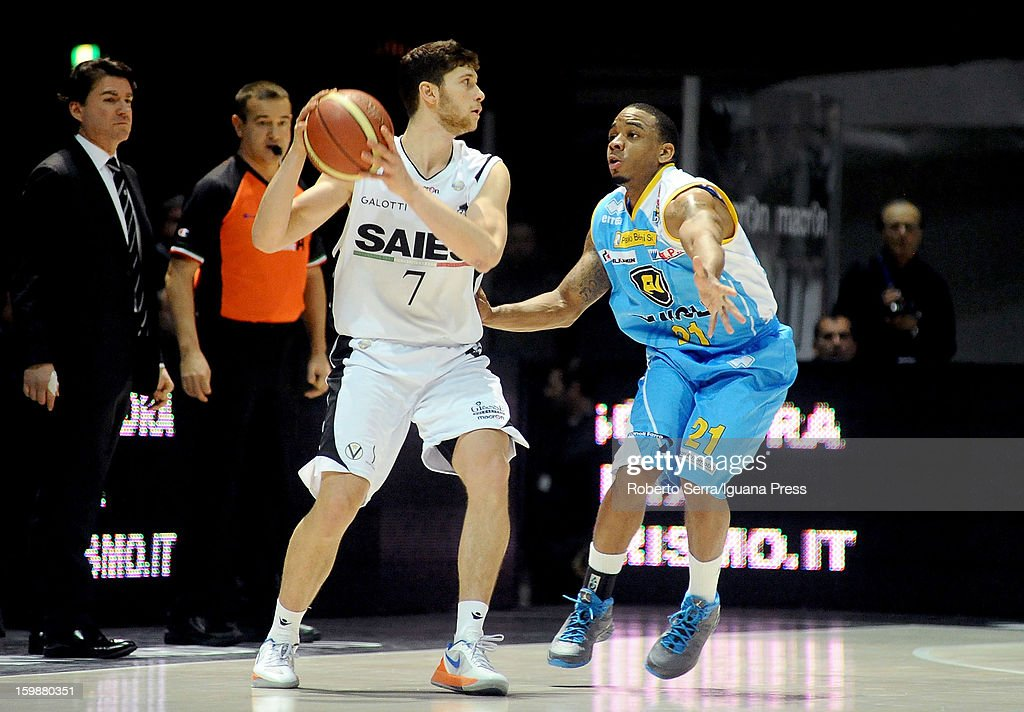 Matteo Imbro of SAIE3 competes with Aaron Johnson of Vanoli in action during the LegaBasket Serie A match between Virtus SAIE3 Bologna and Vanoli Cremona at Futurshow Station on January 20, 2013 in Bologna, Italy.