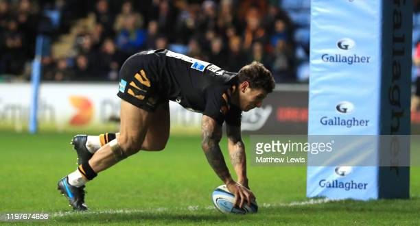 Matteo Minozzi of Wasps scores a try during the Gallagher Premiership Rugby match between Wasps and Northampton Saints at on January 05, 2020 in...